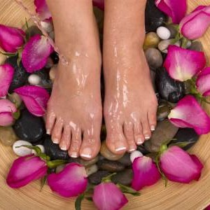 Foot Massage 60min + Mini Facial 30min