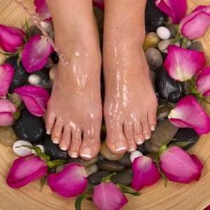Foot Massage 60min + Mini Facial 30min