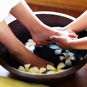 Massage chân – 60 phút