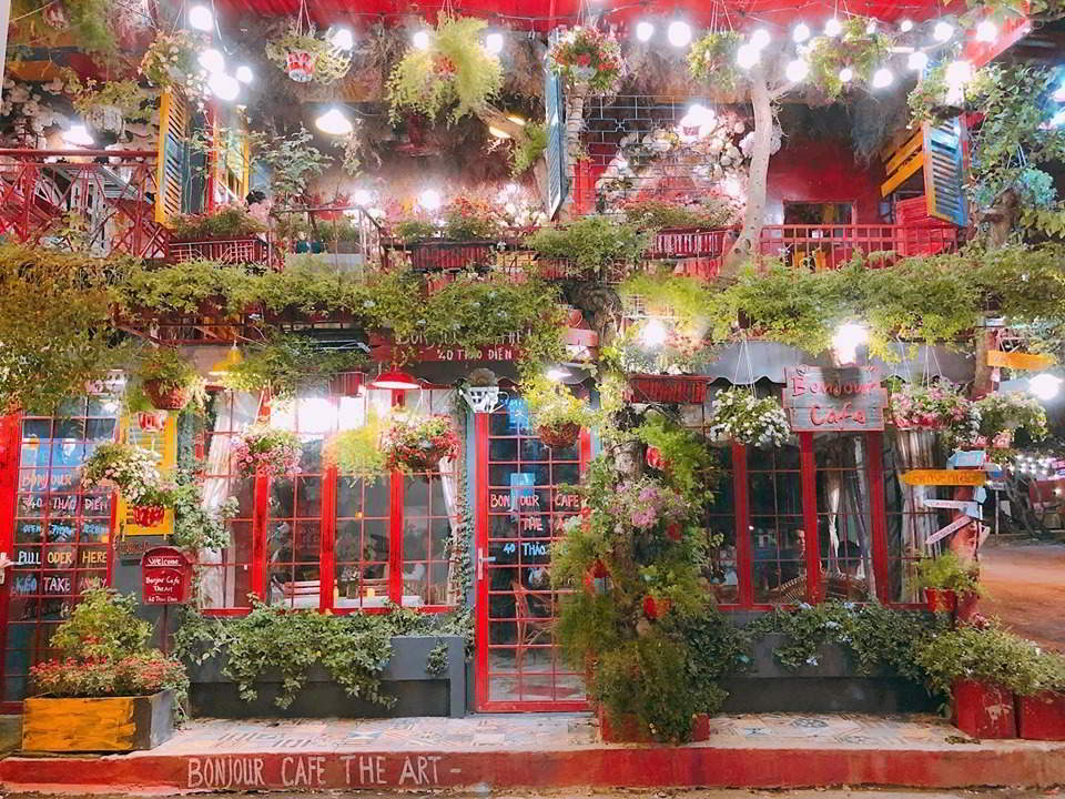 Bonjour Cafe The Art Địa chỉ: 40 Thảo Điền, P. Thảo Điền, Q 2