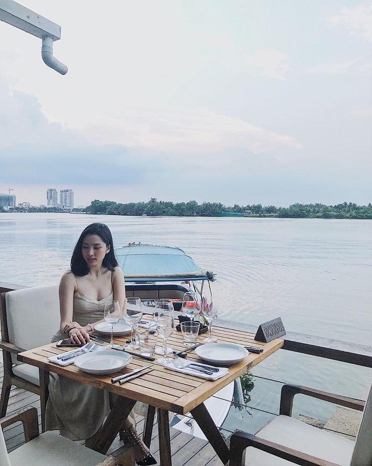 The Deck Địa chỉ: 38 Nguyễn Ư Dĩ, Thảo Điền, Quận 2