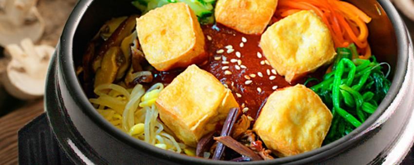 Ăn cơm cuộn cùng 4 loại món chay chuẩn Hàn giá chỉ từ 65k