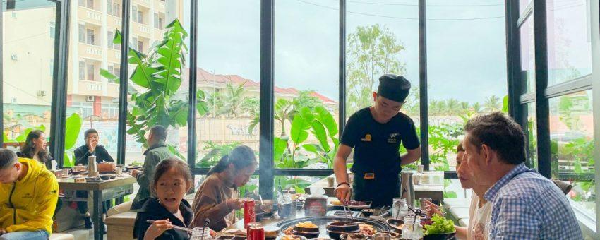Tặng 3 siêu ưu đãi khổng lồ cho nhóm khách ăn tại Veteran Premium