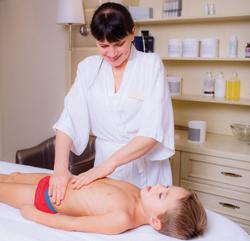 Massage chân & cơ thể cho trẻ em – 90 phút